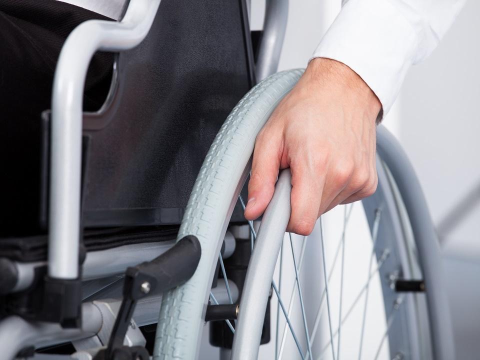 Service Mitnahme von zusammenklappbaren Rollatoren und Rollstühlen